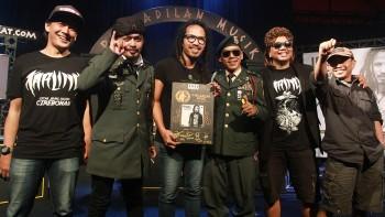 Ipang 'Bebas Bersyarat' dari Pengadilan Musik #6 DCDC