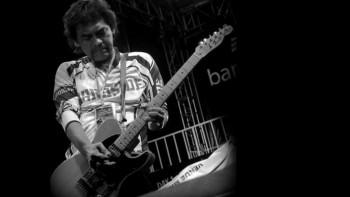 """""""Me And My Guitar"""" Dalam Perjalanan Panjang Budi Arab Project"""