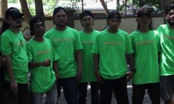 Bhinneka Tunggal Ika: Social Movement Poles Indah Kota Selong