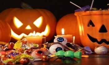 Berbagi Kebahagiaan Di Malam Halloween!