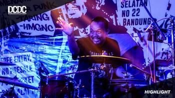 Reportase: Penampilan Spesial Dari Band Sejuta Drum Gebeg
