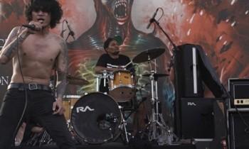 Dooms Day Gempur Pussenif Dengan 44 Band Ekstrim