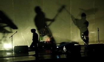 Selain Rilis Kaset, Risky Summerbee & The Honeythief Gelar Konser