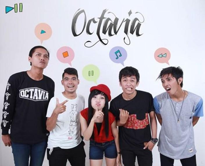OCTAVIA BAND