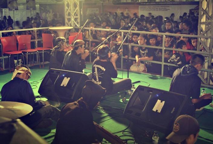 karinding militan live at kickfest