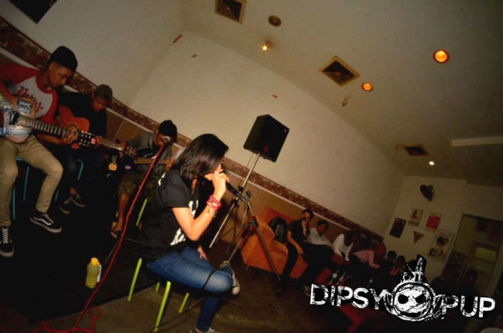 DIPSYPUP at Safe House Bistro (True X Crowds)