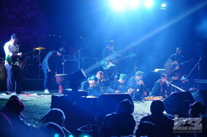 performing_2 - JAZZ ATAS AWAN Dieng Culture Fest #4