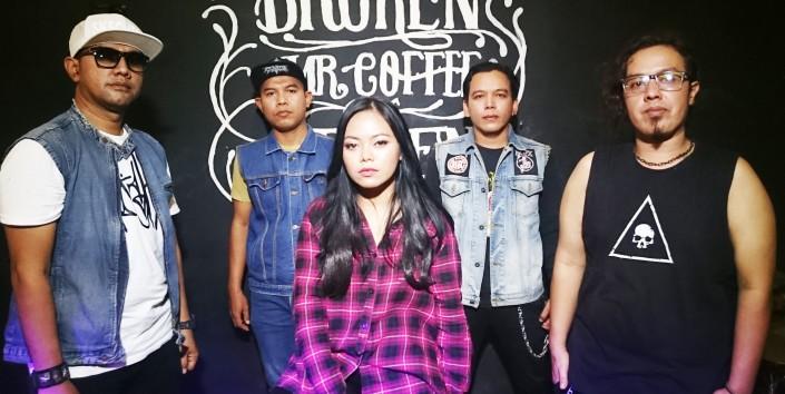 XKOBE Band