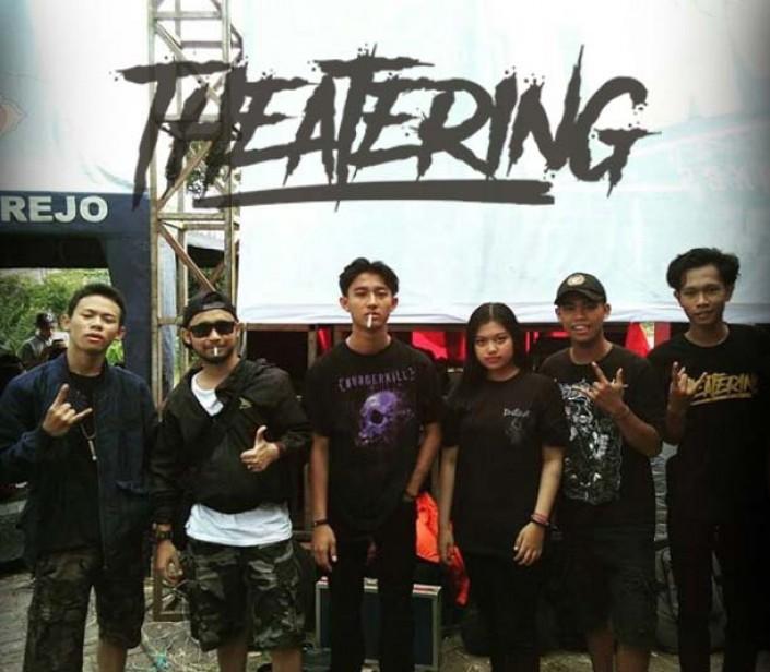 THEATERING