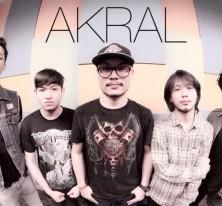 Akral