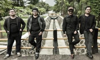 Band Syarat Prestasi, Bernama SORE