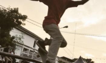 Nge-Skate Bareng Rosemary di Karawang