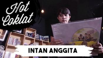 Intan Anggita (Music Blogger)